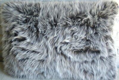 Kussen Wolf Grijs met Imitatie Leer Zwart ca. 75x50x10 cm